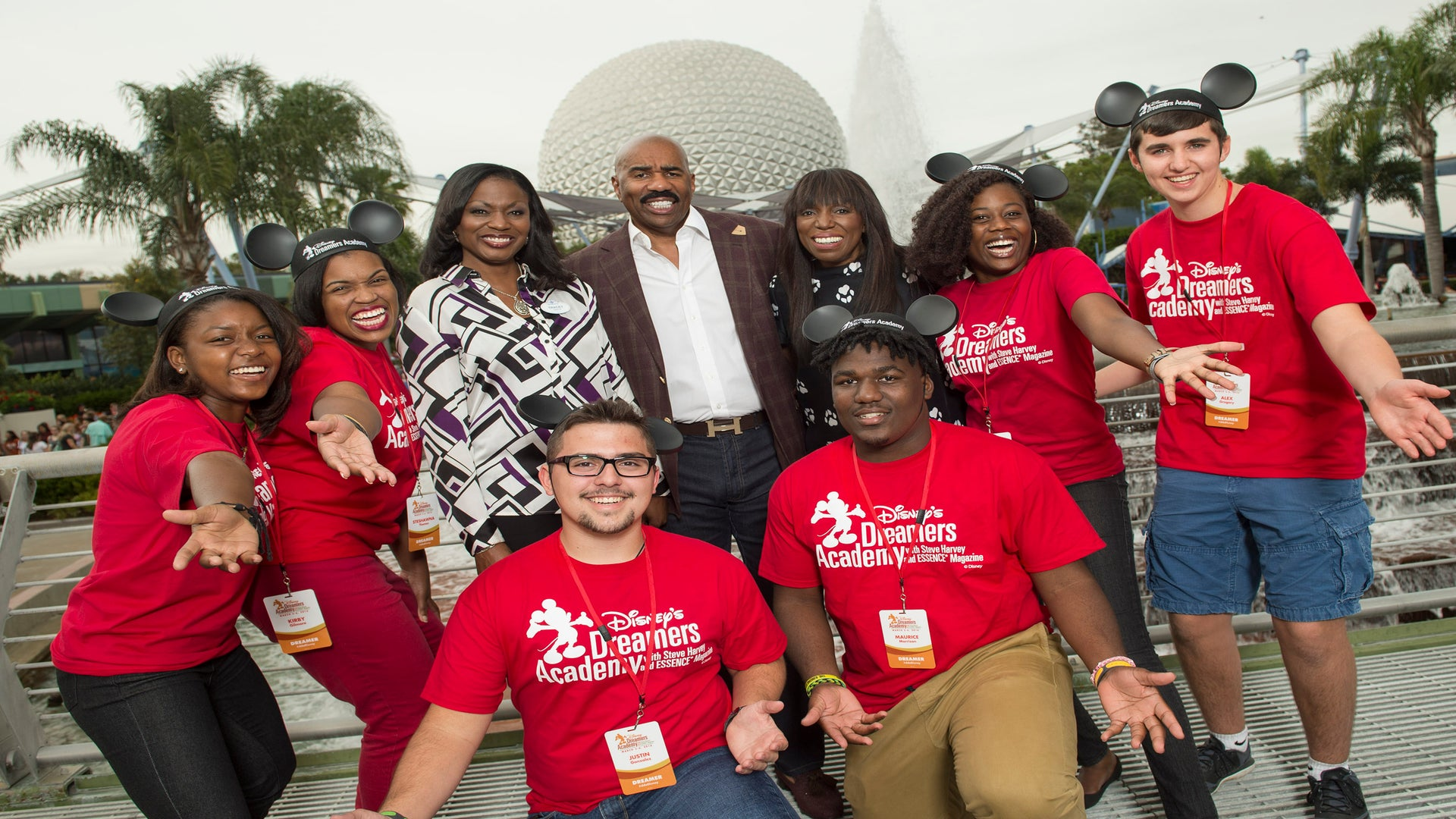 Last Call for High School Students for the 2017 Disney Dreamers Academy