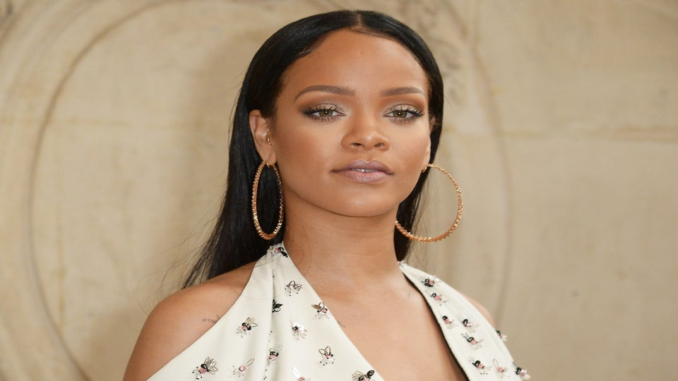 Rihanna Just Unveiled The Most Epic Faux Locs