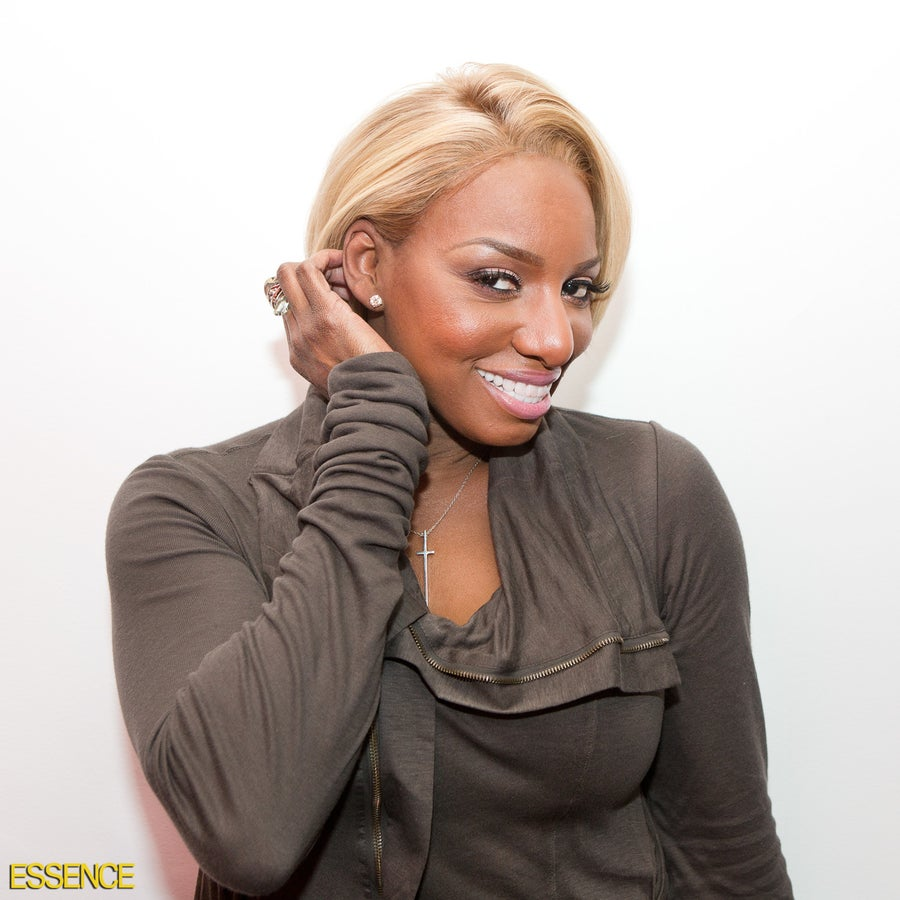 NeNe Leakes' New Atlanta Home May Have Two Kitchens, but She Still Eats in HerBedroom!