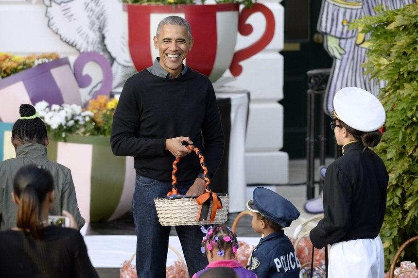 President Obama Sings 'Purple Rain' To Trick-Or-Treater Dressed ...