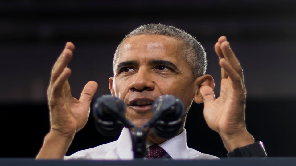 """When they go low, we go high"""": Obama stops crowd from booing Trump demonstrator"""
