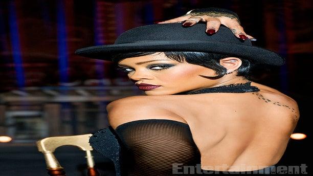 Rihanna Looks Amazing As A Sexy Space Cabaret Dancer In 'Valerian' Sneak Peek