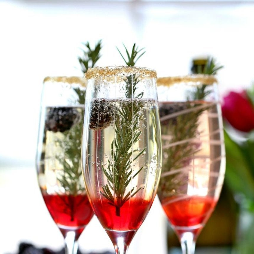 17 Amazing Holiday Cocktail Recipes You Need On Your Menu