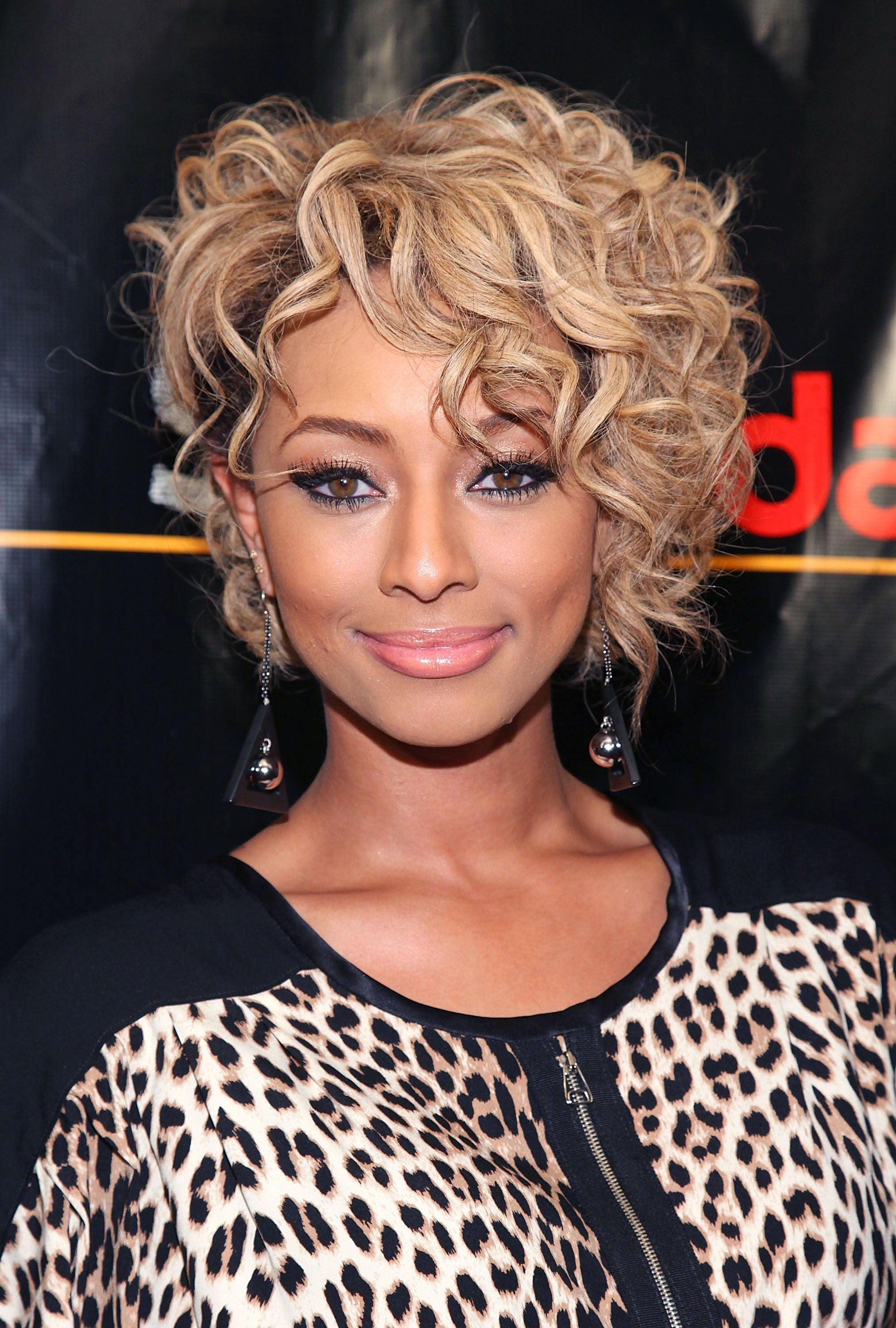 Fashion style Hilson Keri blonde hairstyles for lady