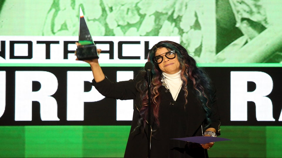 Prince's Sister Tyka Nelson Breaks Down Honoring Late Icon at AMAs: 'He Had the Courage to Be Different'