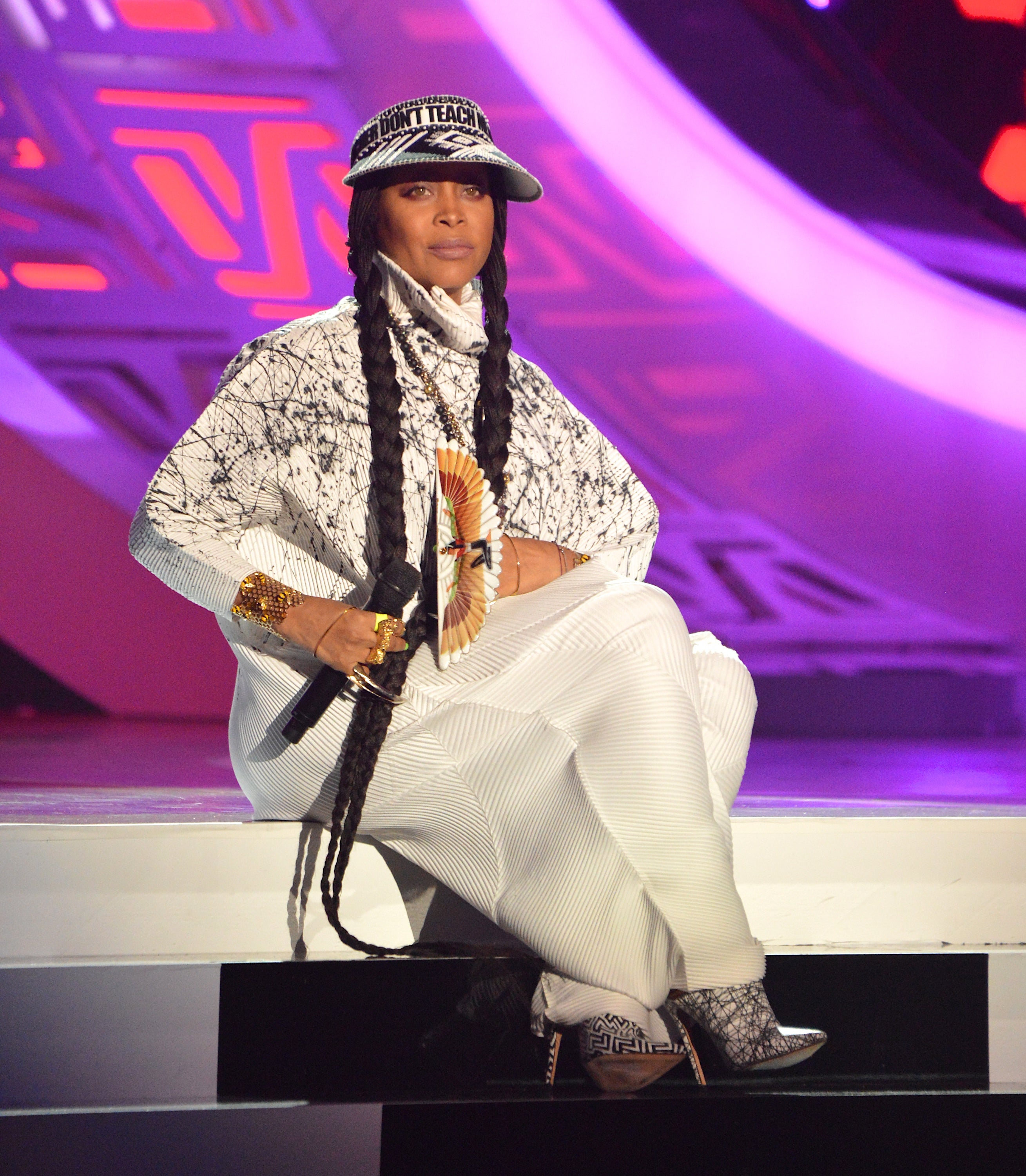 Erykah Badu 2016 Soul Train Music Awards Style Essence