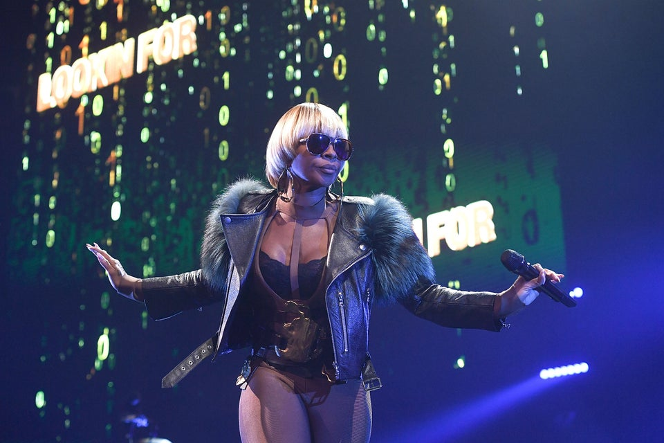 Look of the Day: Mary J. Blige Gives Major Outerwear Inspiration in Fierce Leather and Fur Look