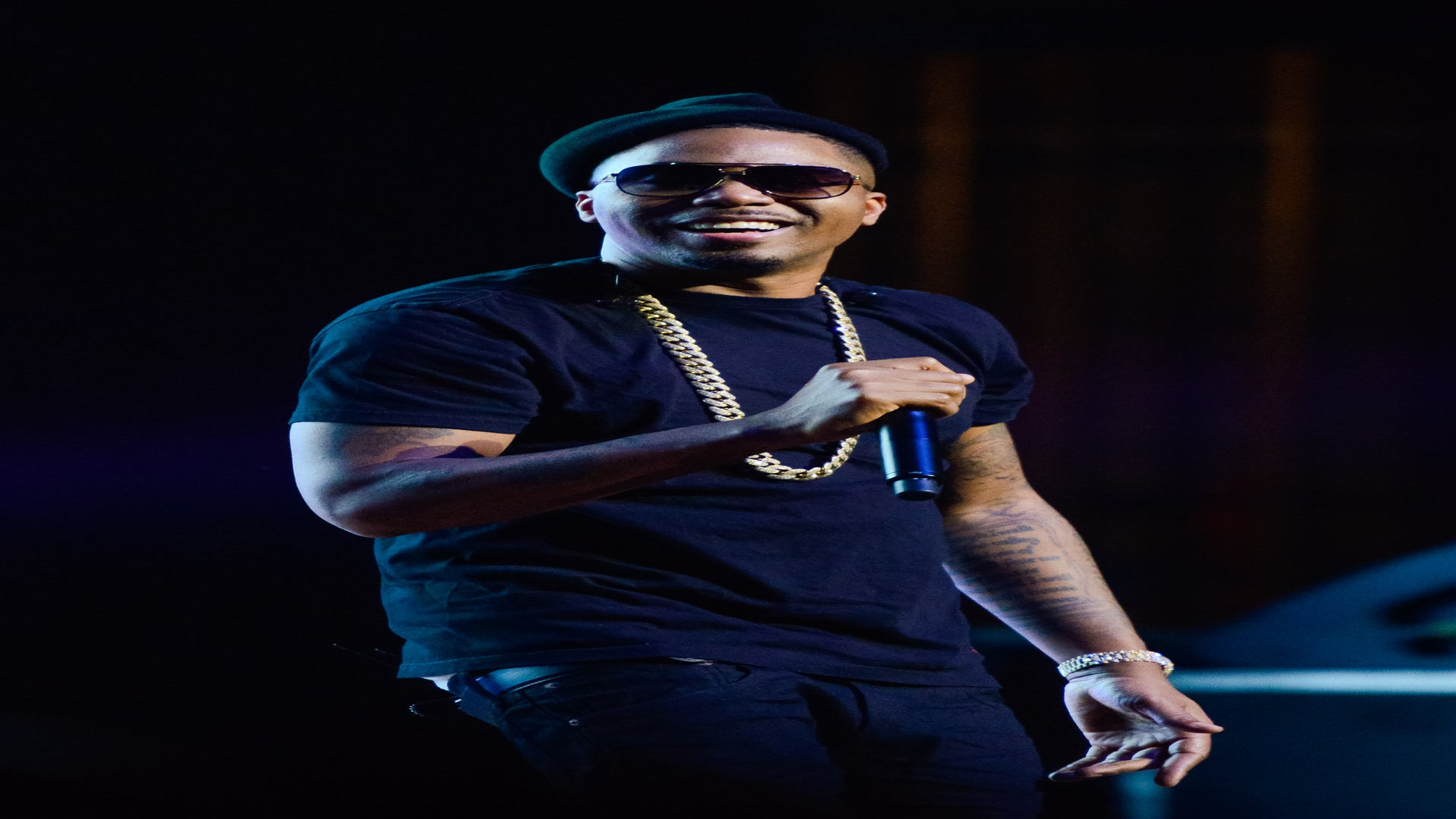 Nas Gives Back With Santa Sweaters, Proceeds Will Go To Justice Reform