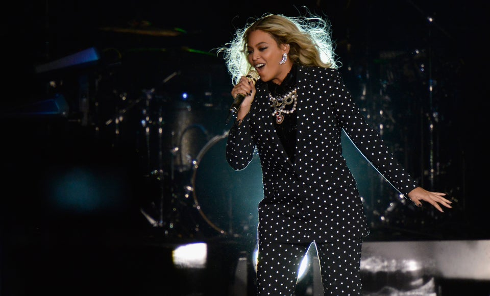 Beyoncé and Her Dancers Rock Pantsuits At Get Out the Vote Concert for Hillary Clinton