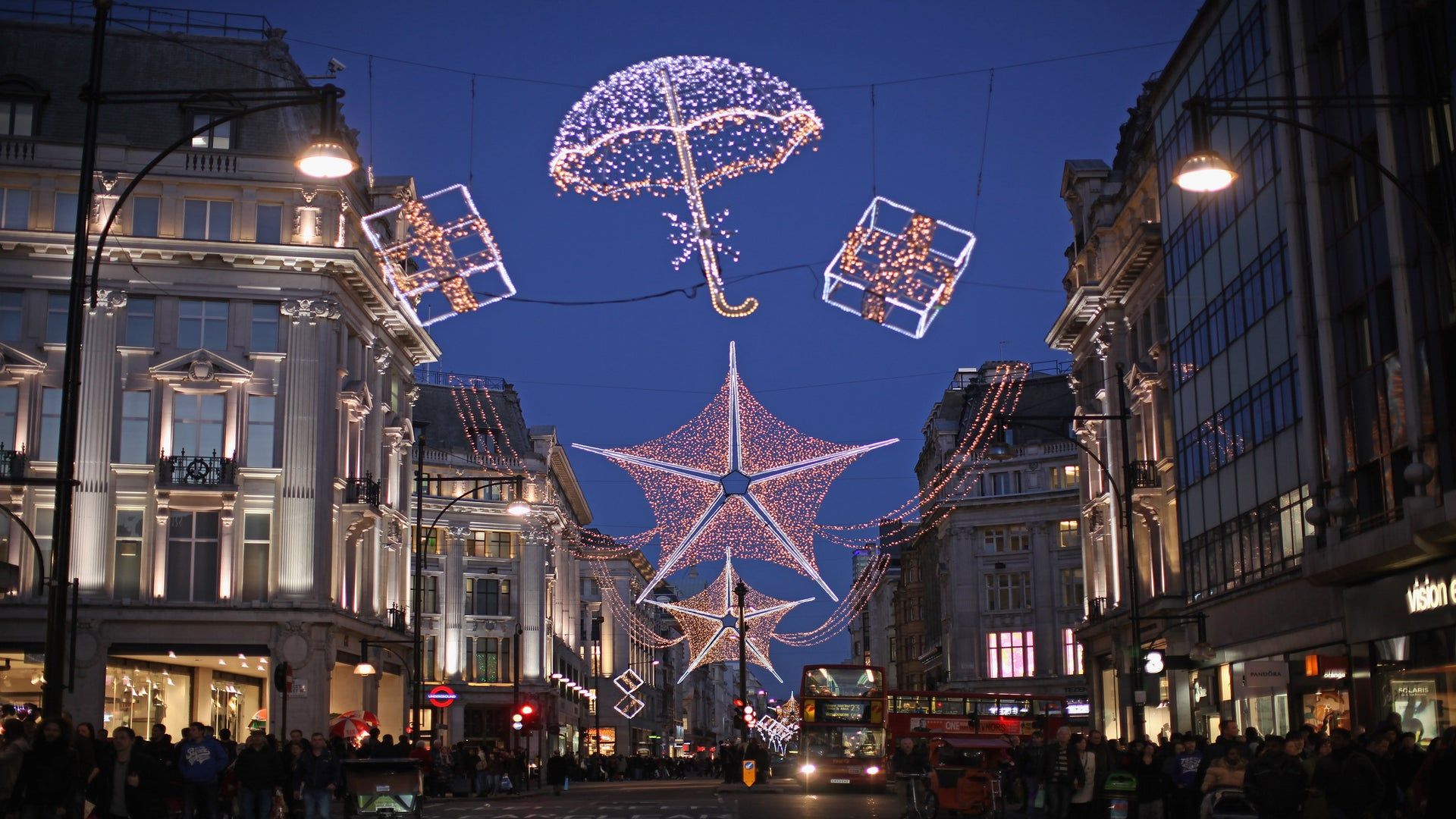 Why Spending The Holidays In London Is Lit and Well Worth the Trip