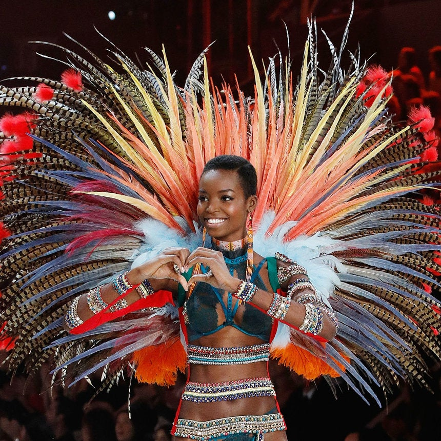 All The Best Pics From the 2016 Victoria's Secret Fashion Show