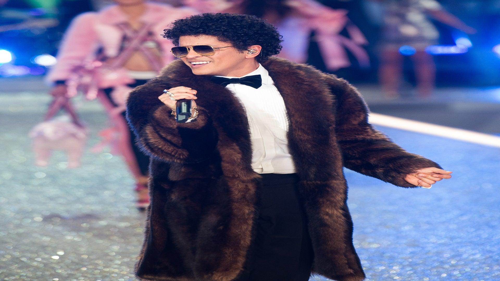 Bruno Mars Donates $1 Million To Flint Water Crisis Victims