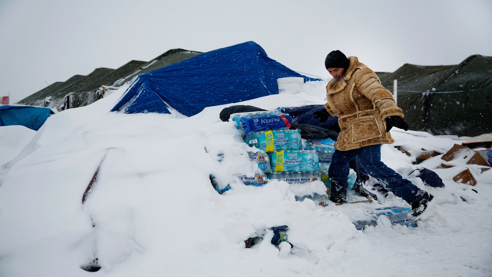 Cold Weather Is the Latest Challenge Facing Protestors at the North Dakota Pipeline