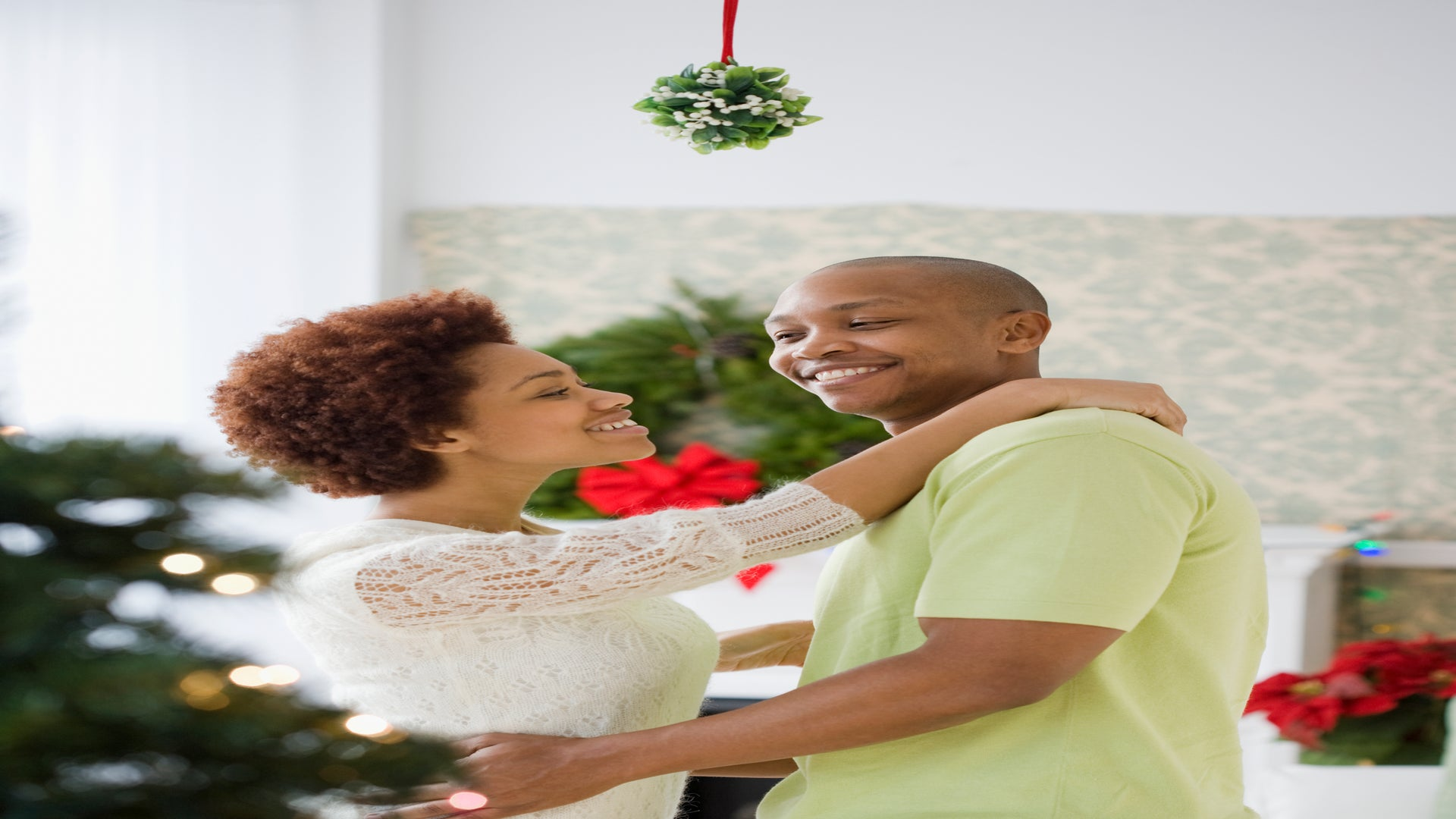 Guess Which Two U.S. Cities Have the Most Holiday Hookups For Singles?