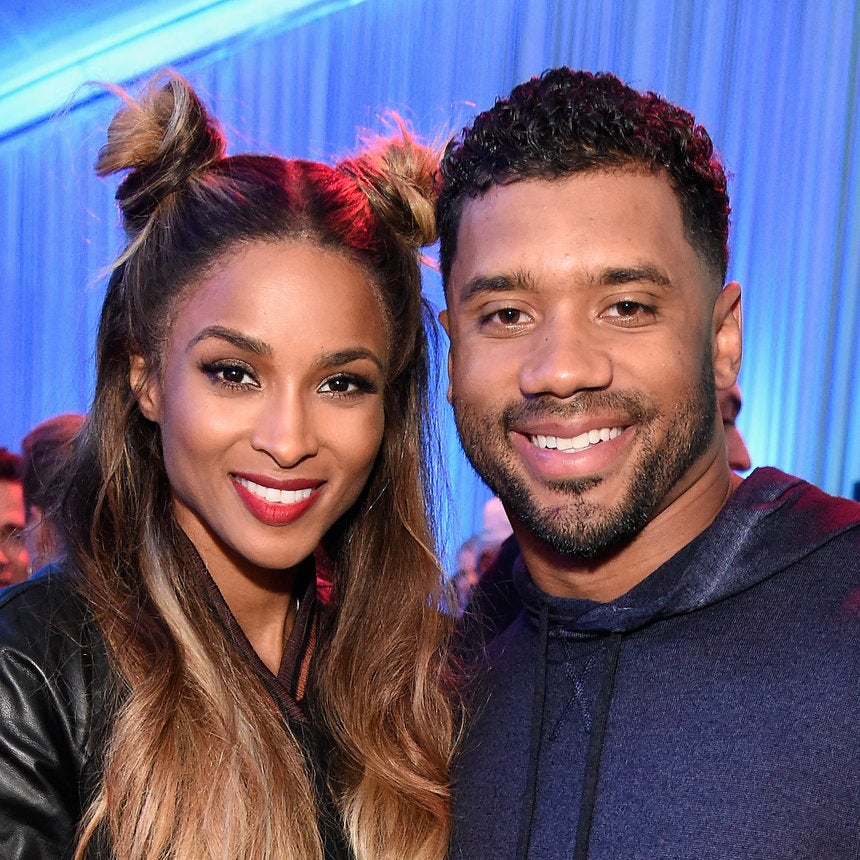 """Ciara And Her Baby Bump Cuddle Up To Russell Wilson On Private Jet - """"I Wuv This Guy"""""""