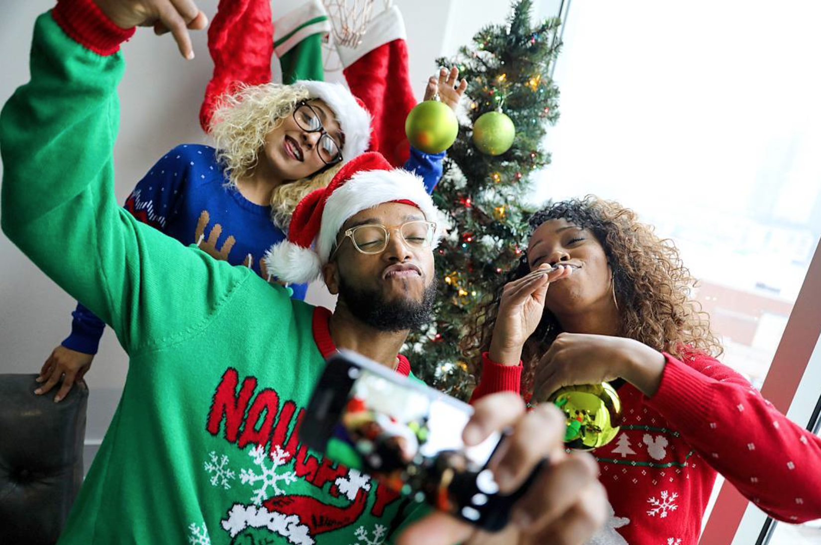 Black People Christmas Pictures.Pictures Of Happy Black People From New Book Essence