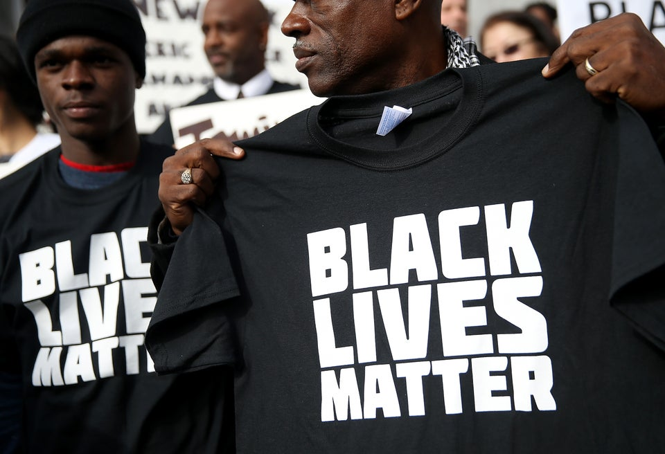 Walmart To Pull 'Bulletproof: Black Lives Matter' Shirts After Complaints From Police Organization