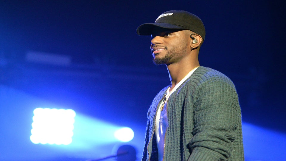 Bryson Tiller Paying For Customers Groceries In Louisville Just Gave Us Extra Holiday Cheer