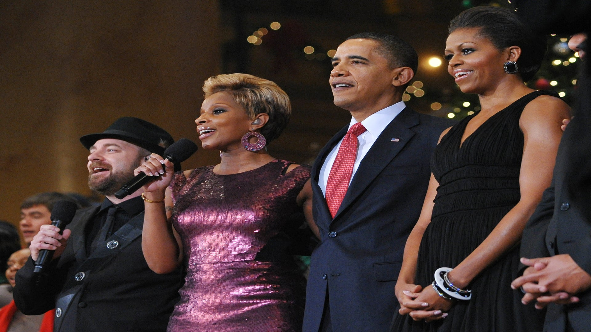 9 Times Mary J. Blige Brought Black Girl Magic To The Obama's Historic White House Run