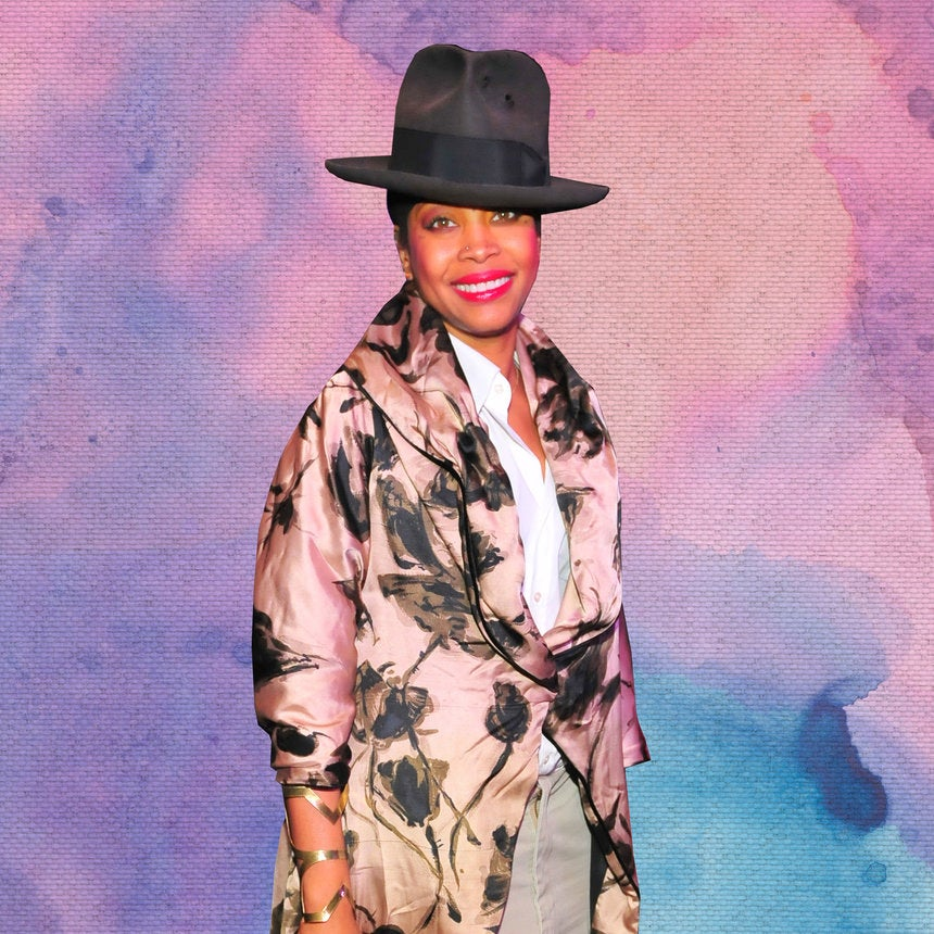 Watch Erykah Badu Perform 'On & On' At An Open Mic Before She Was Famous