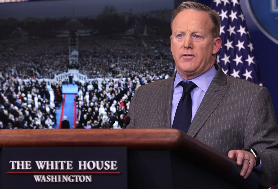Sean Spicer Lies About Crowd Size at First White House Press Conference