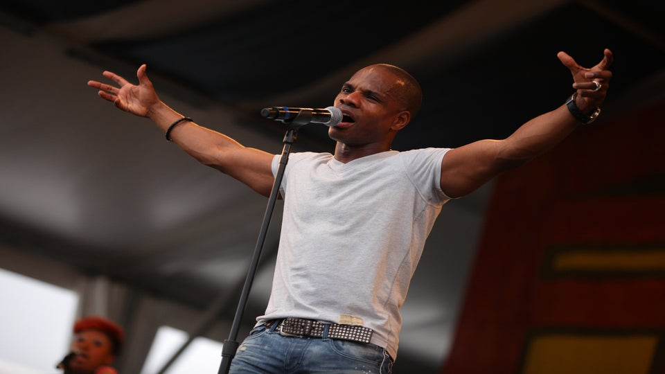 Kirk Franklin Claps Back At Twitter Troll Who Threatened His Daughter