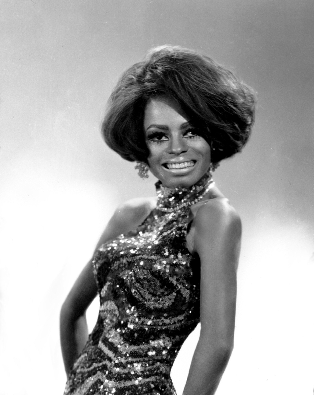 Diane Ernestine Earle Diana Ross Detroit 26 marzo 1944 è una cantante produttrice discografica e attrice statunitense Da sempre legata alla Motown etichetta