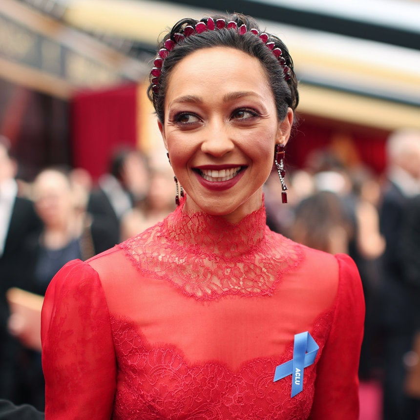 Ruth Negga Slays In Red Hot Makeup On The 2017 Oscars Red Carpet