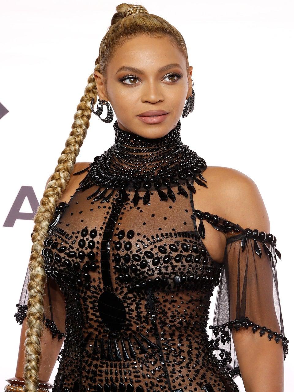 Beyoncé's Pregnancy Announcement Sparks Half a Million Tweets In 45 Minutes