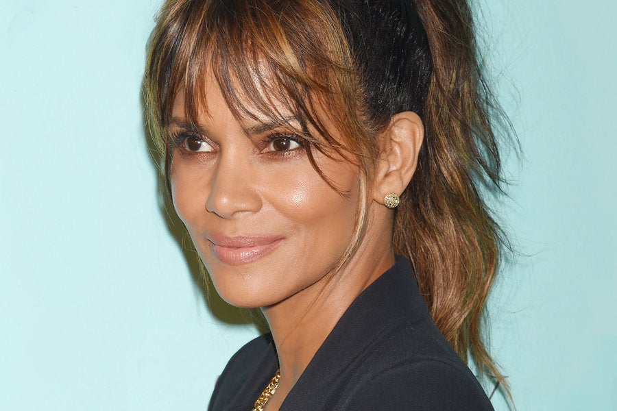 Halle Berry Shares A Throwback Photo From Her Pageant Days ...