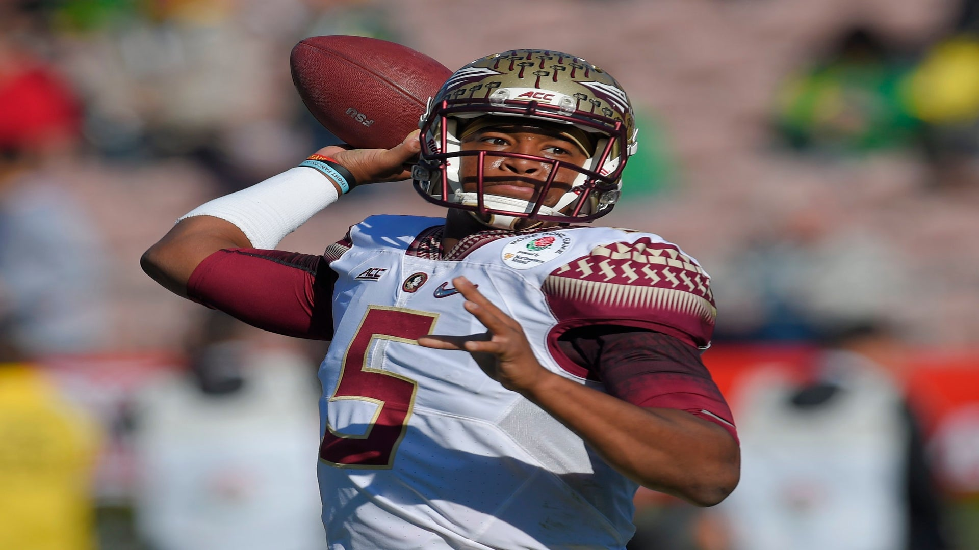 Jameis Winston Told 10-Year-Old Girls That Women Should Be 'Silent, Polite, Gentle'