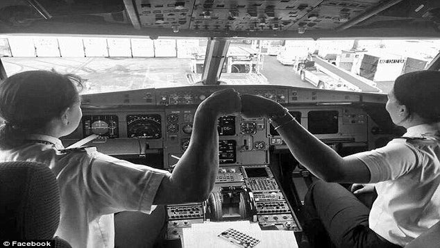 Two Black Female Pilots Made History Flying Together and The Photos Are Everything