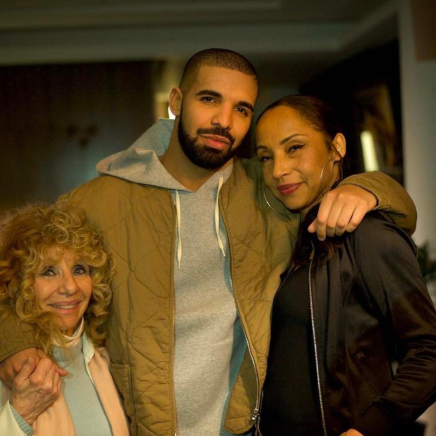 Sade Came Out Of Hiding To Attend A Drake Concert And The Internet Is Freaking Out