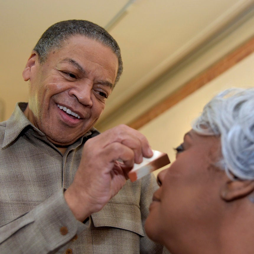 Oprah Winfrey's Former Makeup Artist Gives Free Makeovers In His Hometown