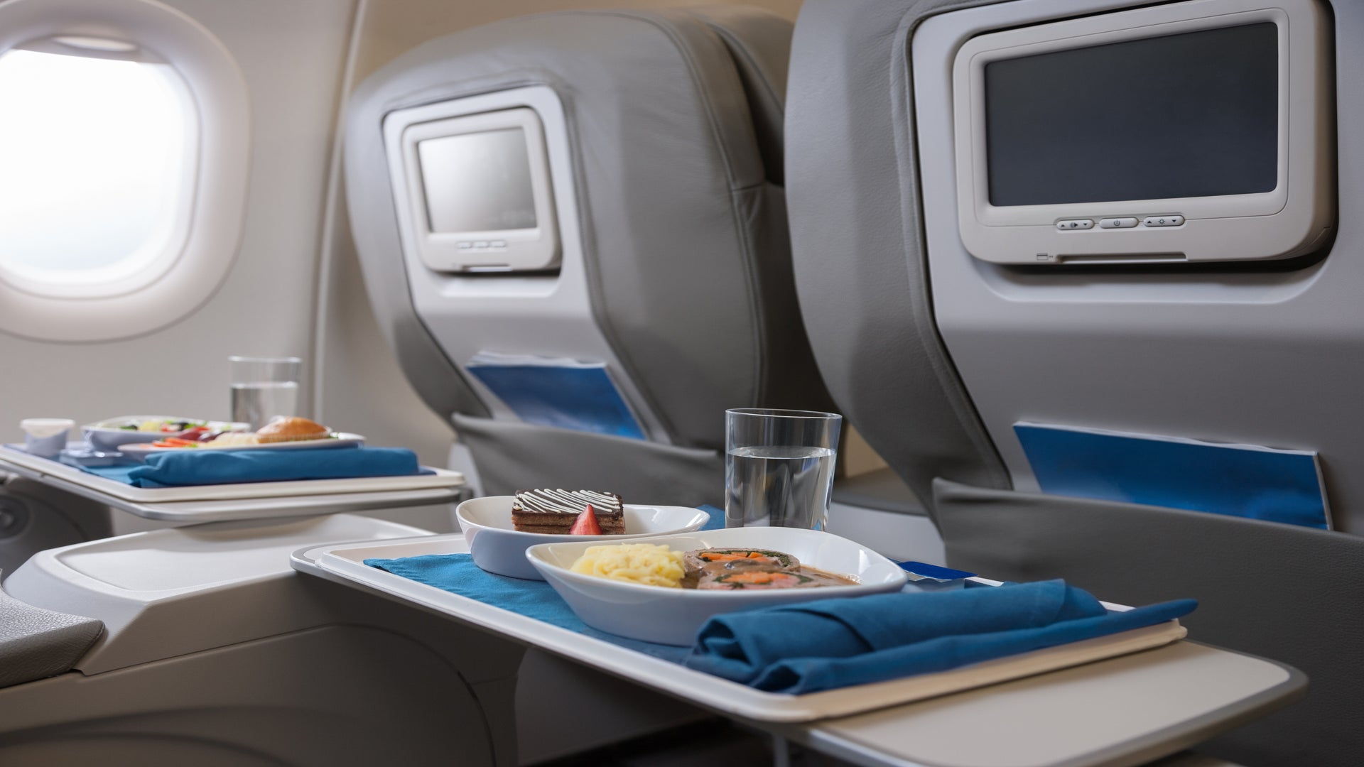 These Airlines Offer Free Meals (Not Just Snacks) On Their U.S. Flights