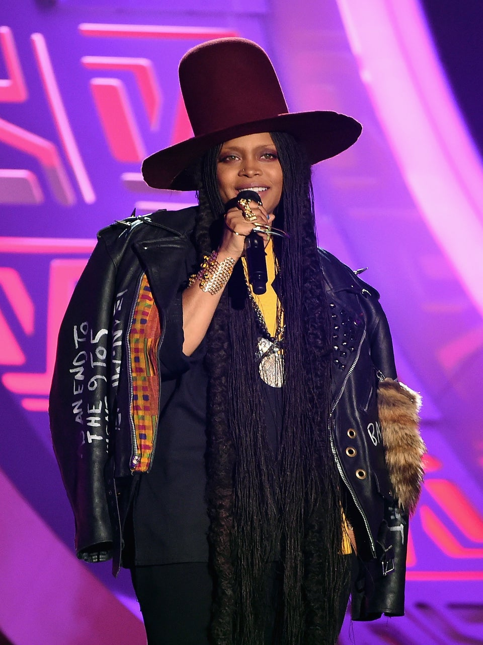 Erykah Badu Gets Cozy With Boyfriend Carl Jones During ComicCon