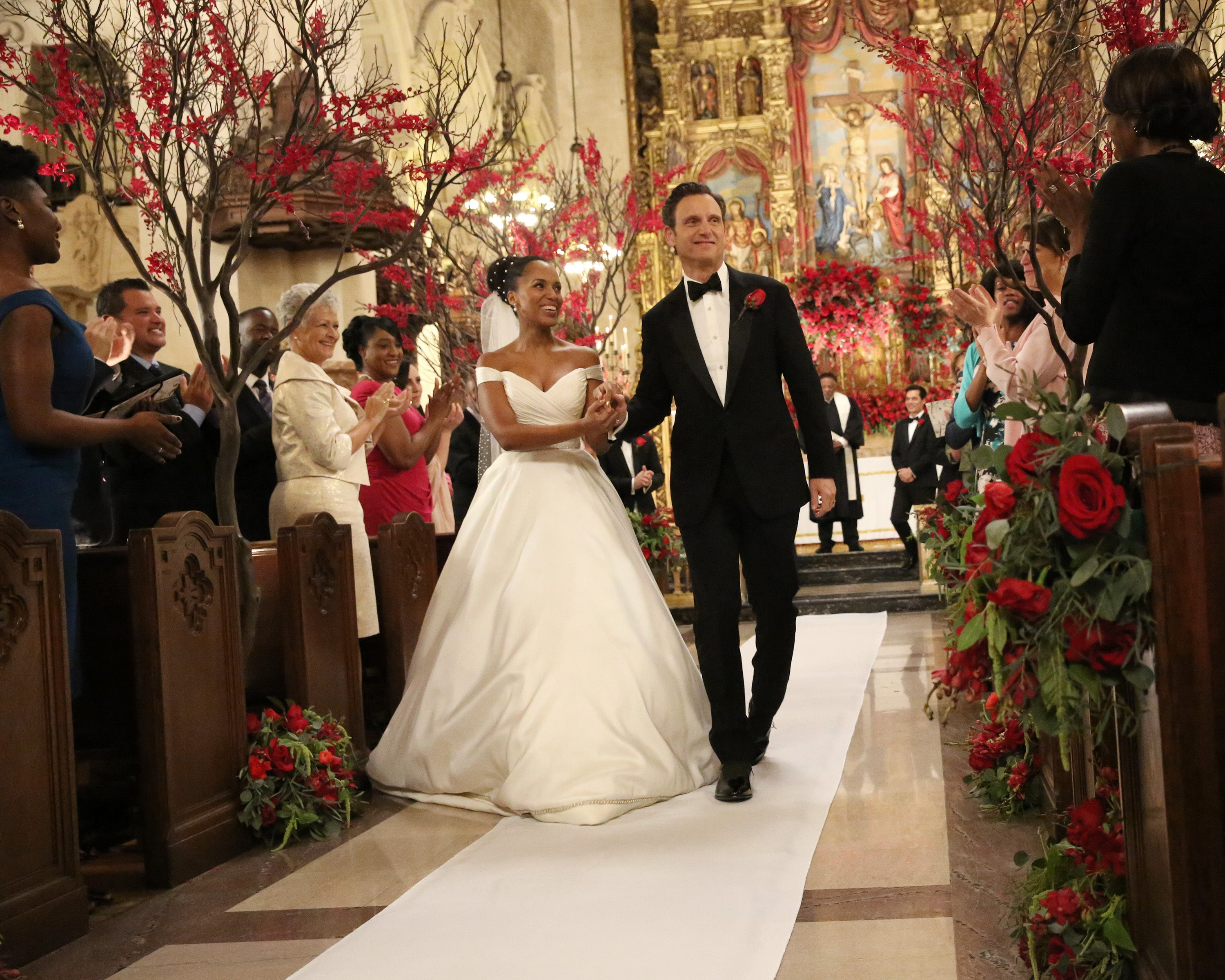 Scandal S Olivia Pope Wears 4 500 Anne Barge Wedding Gown In 100th Episode The Truth Behind Dress