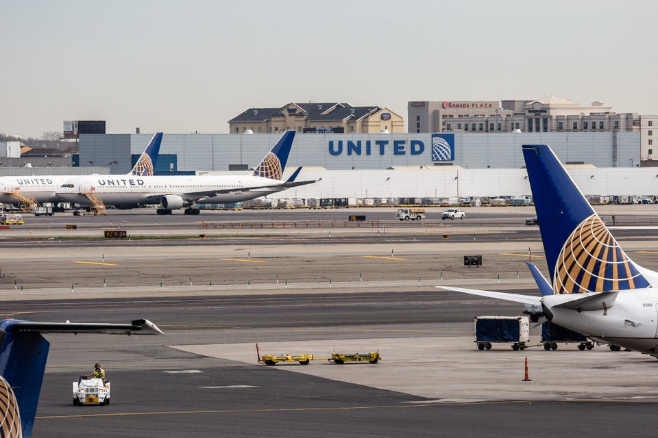 United Airlines Will Start Offering Passengers Up To $10,000 To Surrender Their Seats