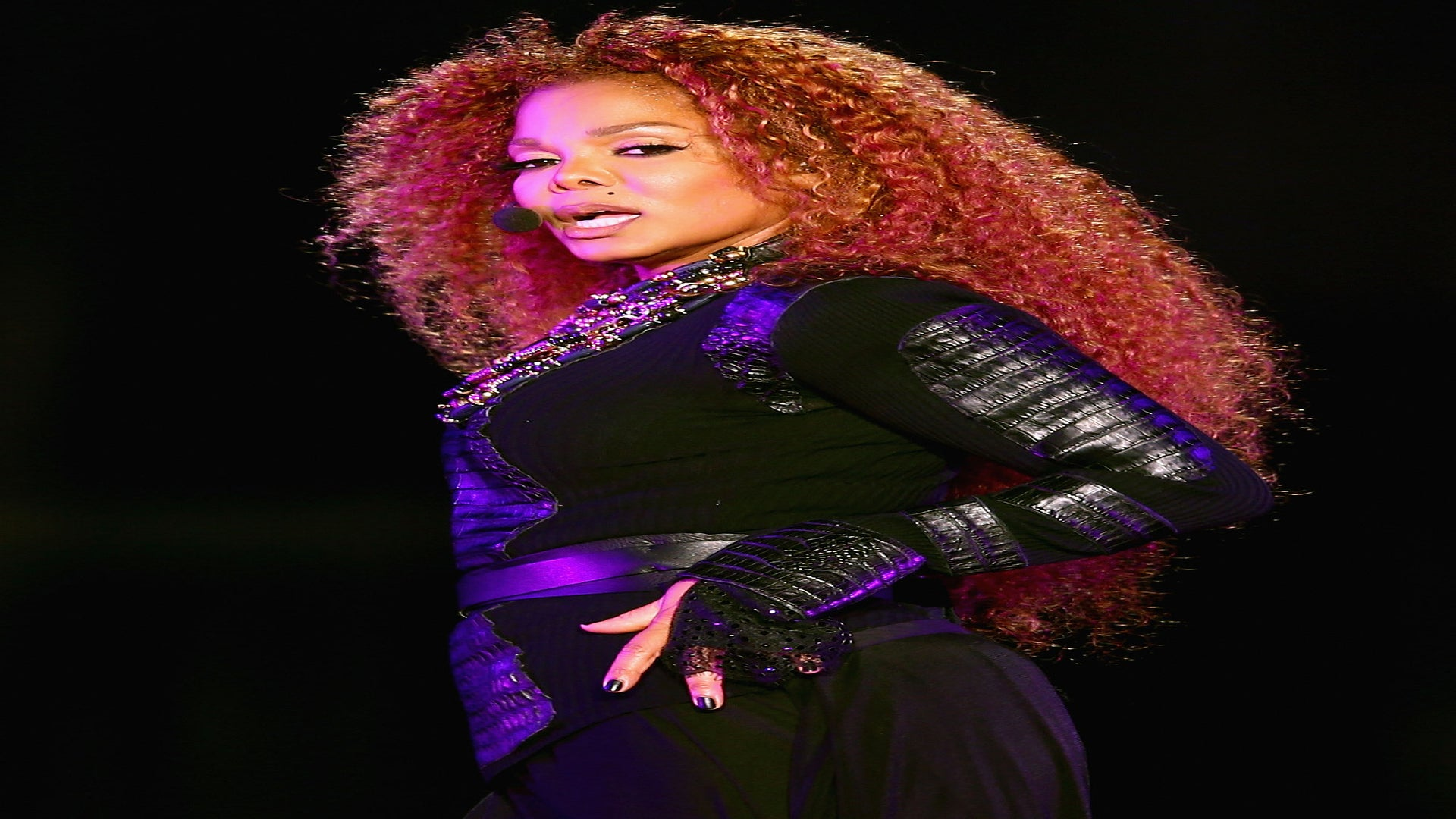 Janet Jackson 'Wants To Get Back On Stage' Post-Divorce: Source