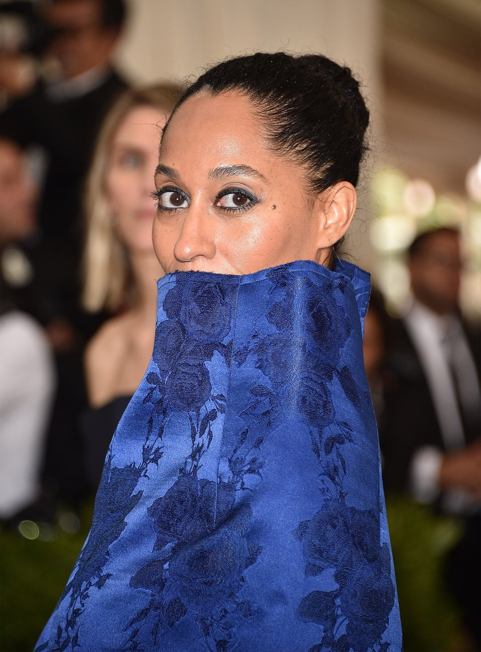 Tracee Ellis Ross Gets An Airplane Makeover — See The Hilarious Video!