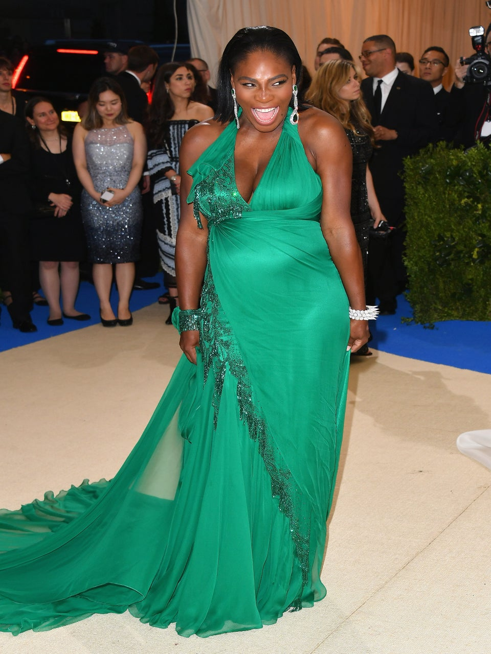 Pregnant Serena Williams Channels Her Inner Na'vi Warrior At Disney's Animal Kingdom