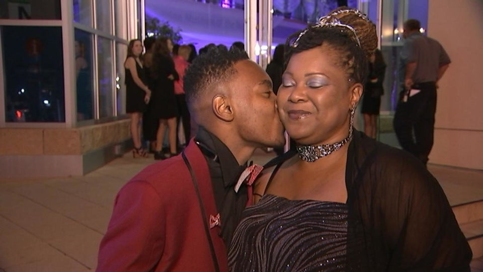 This Teen Boy's Mom Couldn't Go To Her Own Prom, So He Brought Her As His Date