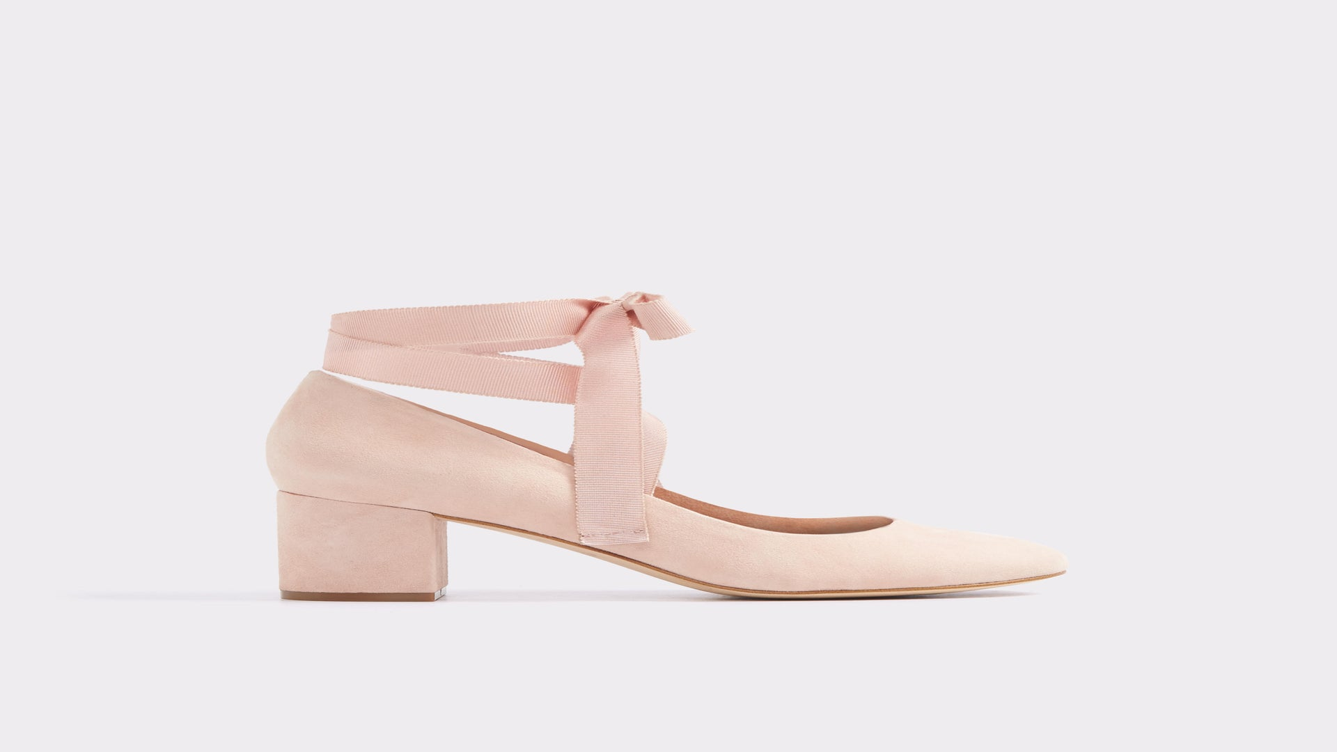 15 Must-Have Shoes for Graduation