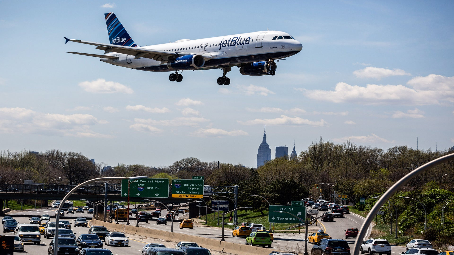 New Jersey Family Kicked Off JetBlue Flight to Las Vegas Over Birthday Cake