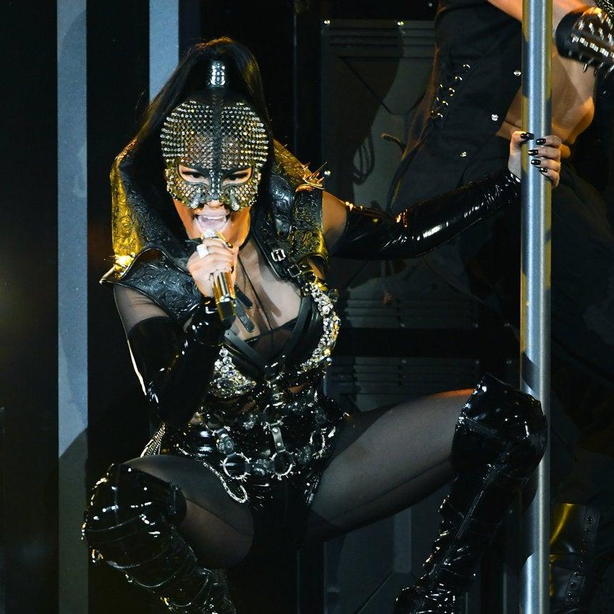 Nicki Minaj Slayed At The Billboard Music Awards 2017 With An Epic Performance