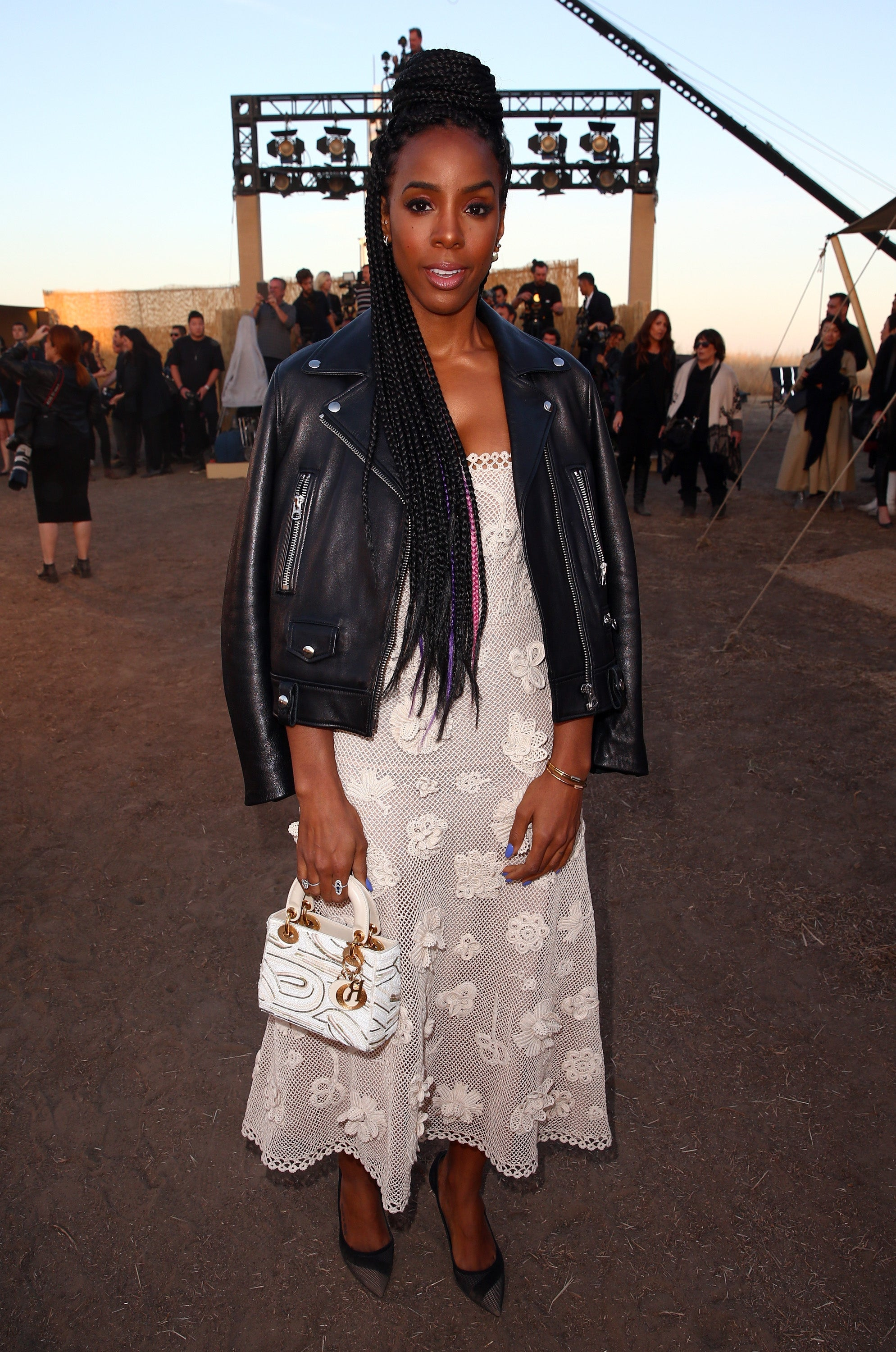 Look of the Day: Kelly Rowland Has The Perfect Style Remedy for Chilly, Spring Weather