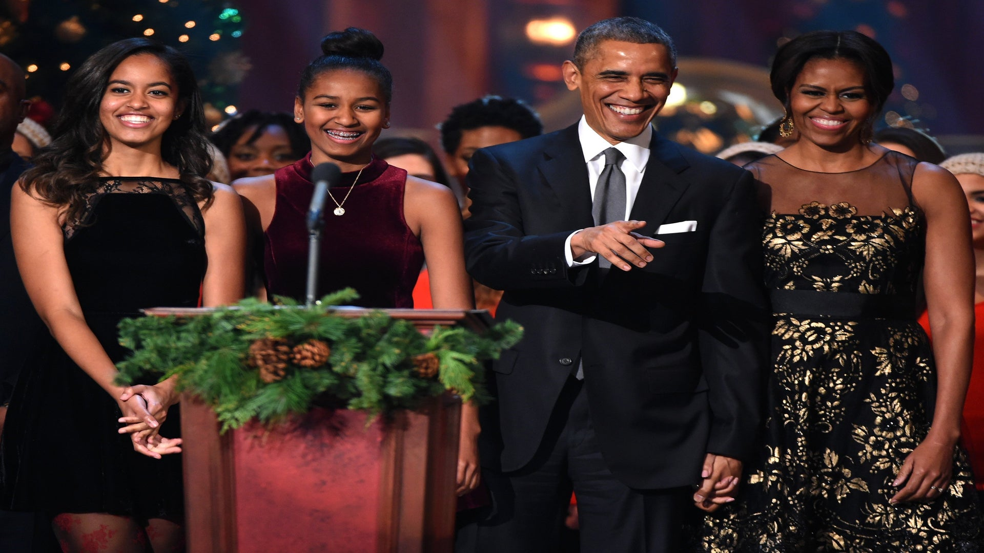 Malia And Sasha Obama's Last Night In The White House Featured Pizza And A Slumber Party