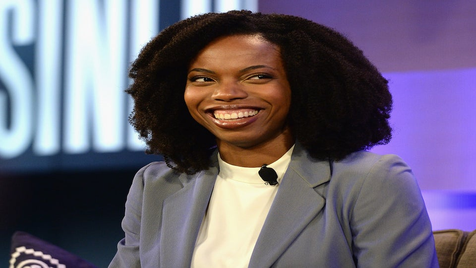 """Sasheer Zamata just debuted her post-""""SNL"""" hair and it is SO COOL"""
