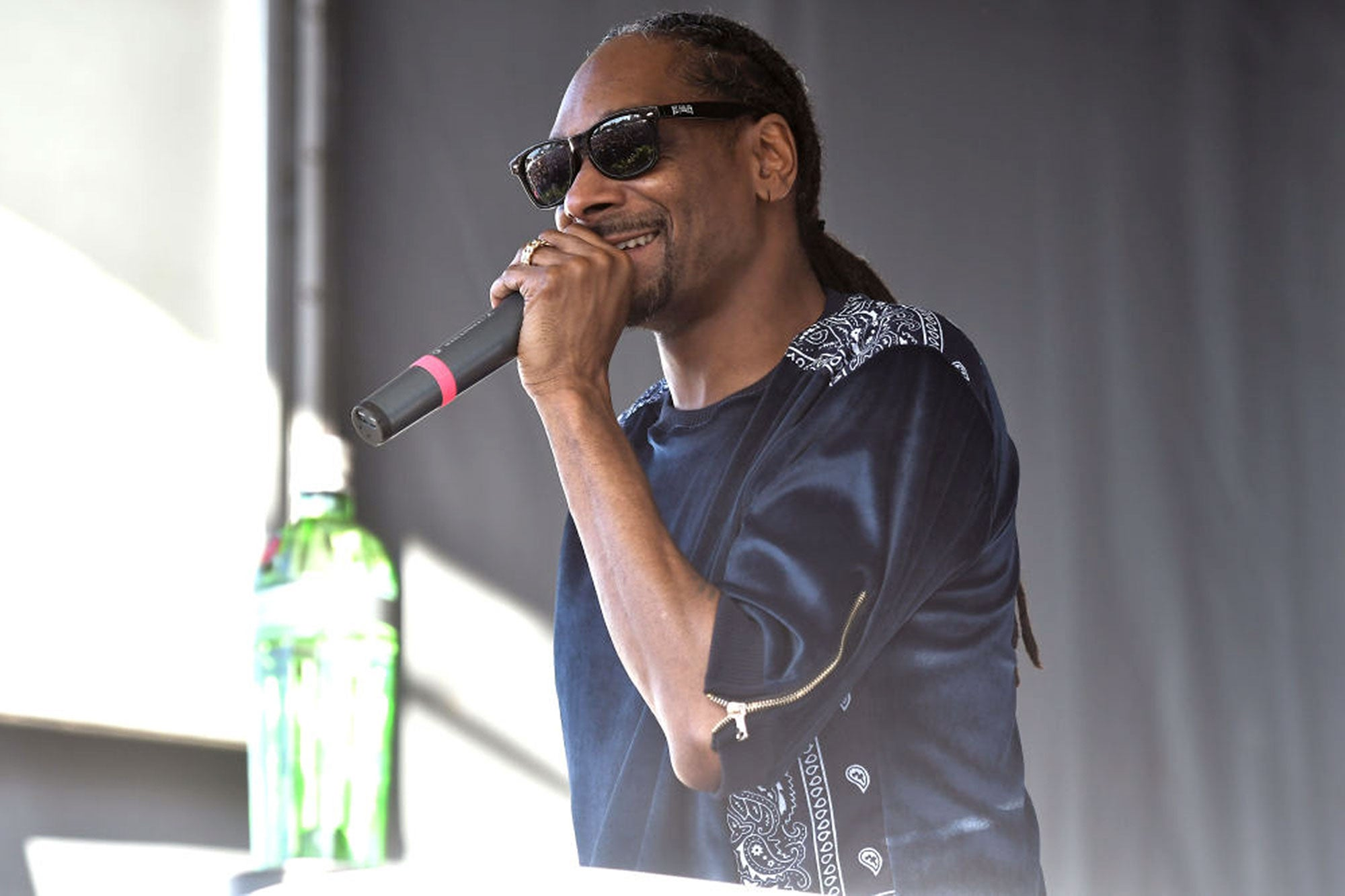 Watch Snoop Dogg's Sign Language Interpreter Steal The Show At Concert