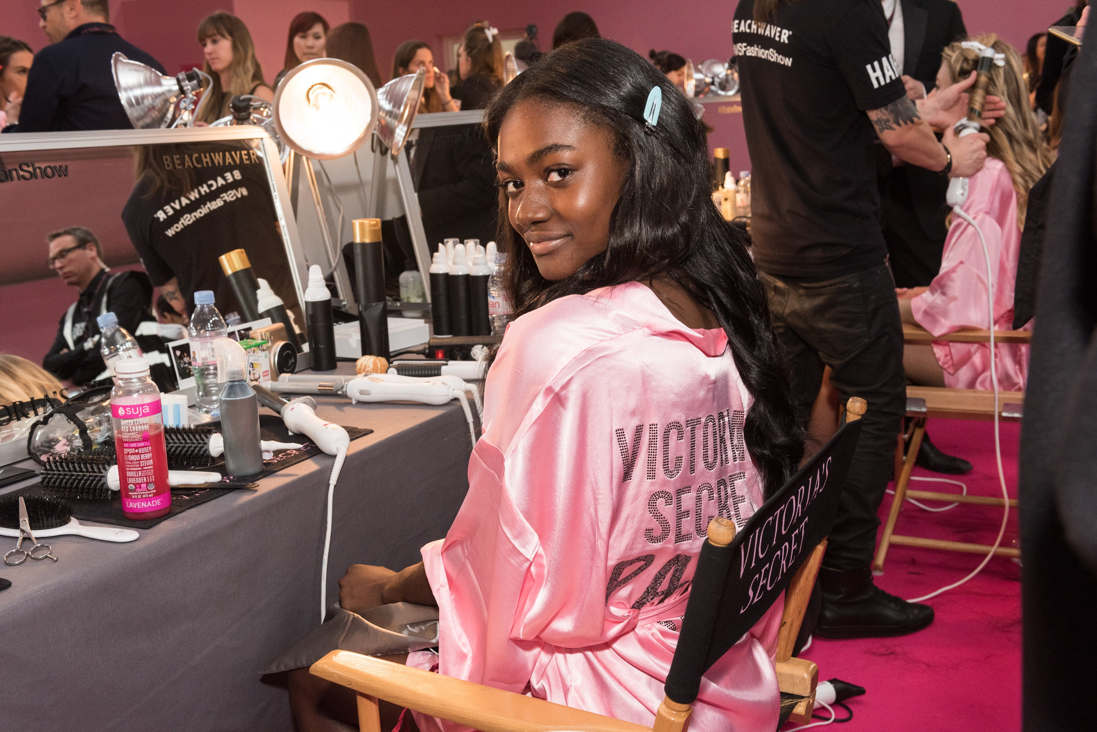 Black Twitter Calls Out Victoria's Secret For This Model's Unkempt Hair